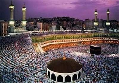 کمرنگ شدن حج موجب تزلزل در دین و جامعه اسلامی میشود