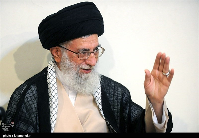 Supreme Leader Pardons over 800 Iranian Prisoners
