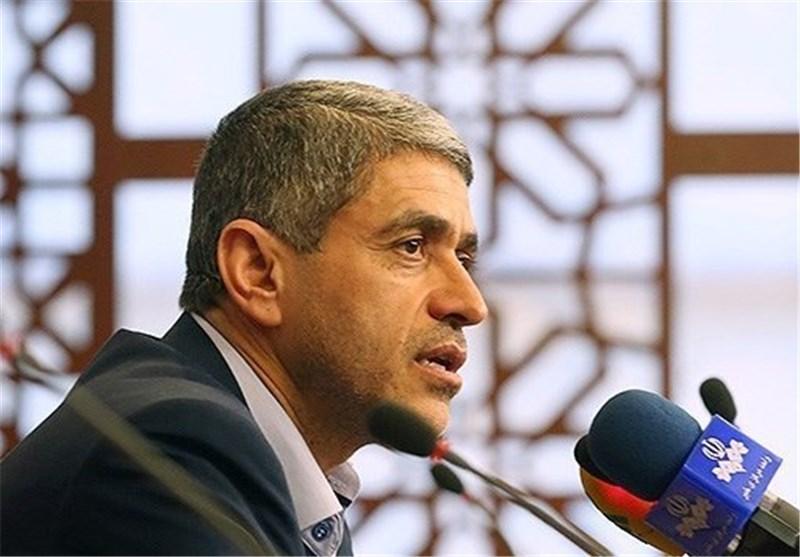 "Economy Minister Raps Continued ""Inhumane"" Sanctions on Iran"