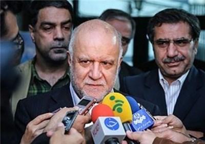 بیژن زنگنه وزیر نفت در جمع خبرنگاران