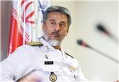 Amiral Seyyari: İran'ın Deniz Gücü Olmasa, Fars Körfezi'nin Kaynaklarını Yağmalarlar