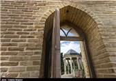 شب عید و لذت خواندن دیوان حافظ در حافظیه + تصاویر
