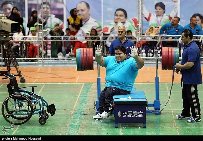 Powerlifter Siamand Rahman Snatches Gold in Asian Para Games