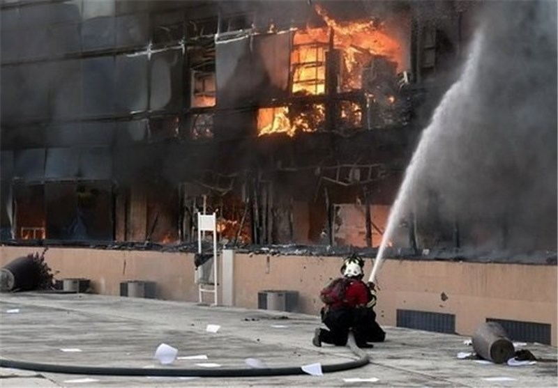 Protesters Torch Mexico Government Buildings
