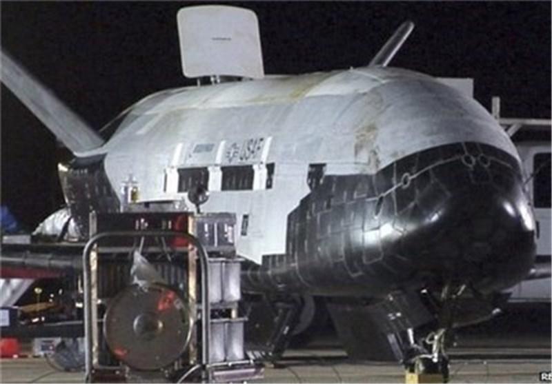 عودة طائرة أمریکیة سریة للغایة دون طیار الی کالیفورنیا بعد مهمة فضائیة دامت لمدة عامین