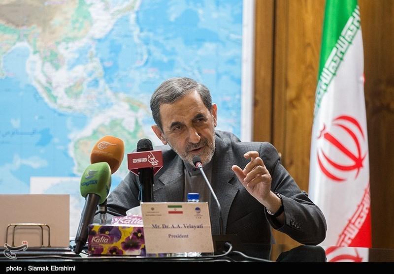 Ali Ekber Velayeti Afganistanlı Siyasiler İle Bir Araya Geldi/ İran'da Dünyaya Gelen Afganlara Vatandaşlık