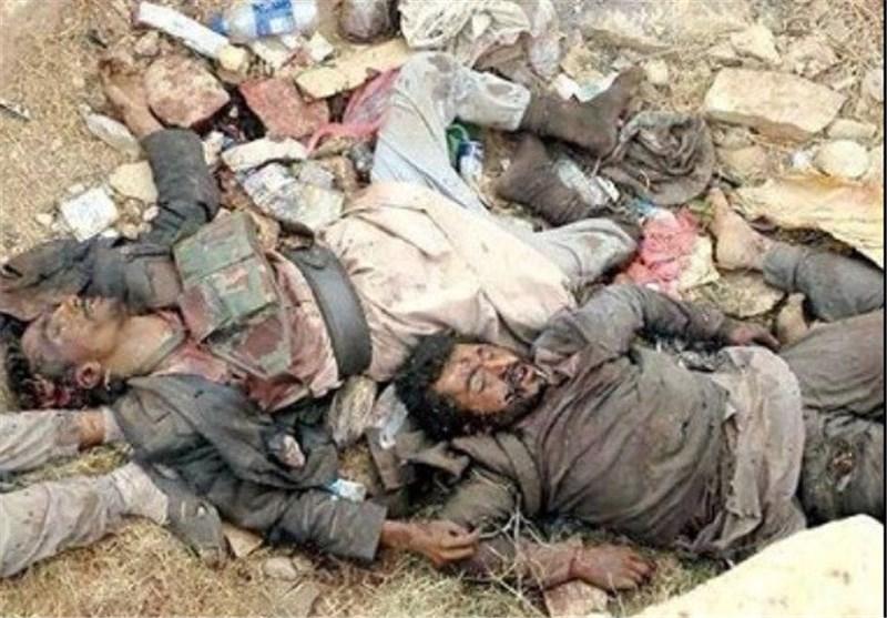 """""""داعش"""" یأمر عناصره بقتل الجرحى وینشأ مقابر جماعیة لدفن قتلاه شمالی الرمادی"""