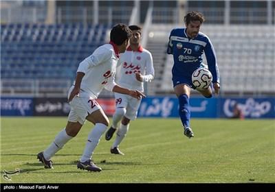 دیدار تیم های فوتبال گسترش فولاد تبریز و پدیده مشهد