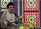 نماینده ولیفقیه در لرستان به خاطر 7 سال جلسات تفسیر قرآن مورد تجلیل قرار گرفت