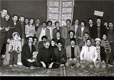 در حدود 400 سال پيش عدهای از نفرآبادی ها ستون خيمهای را برای عزاداری سالار شهيدان برافراشتند كه پس از گذشت سال های سال هنوز هم پابرجاست. اينجا قديمی ترين تكيه باقی مانده تهران امروز است.
