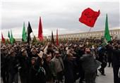 عزاداران حسینی نماز ظهر عاشورا را در اصفهان اقامه کردند