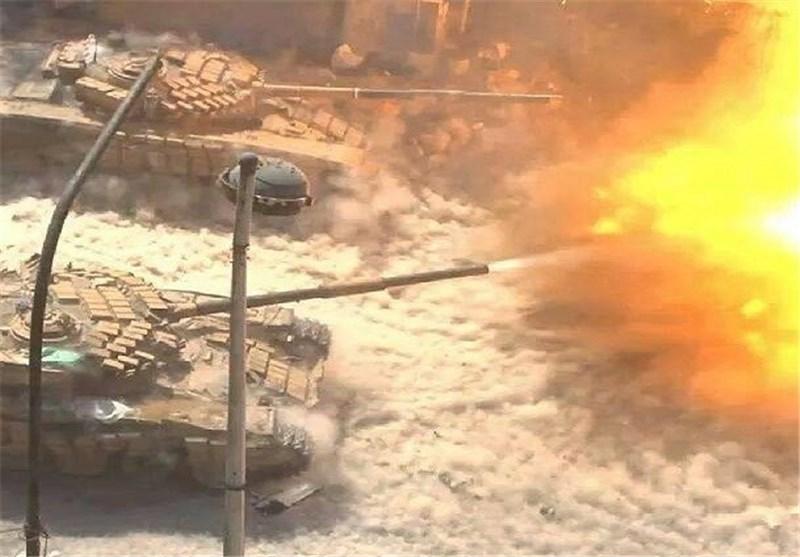 "الجیش السوری ینفذ هجوماً عنیفاً على أکبر معاقل إرهابیی ""جبهة النصرة"" فی ریف دمشق الغربی + صور"