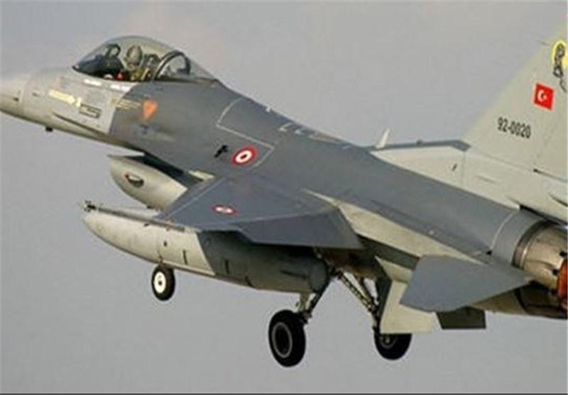 جنگندههای ترکیه تانکهای کودتاچیان را در آنکارا هدف قرار دادند