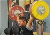 کار باارزش قهرمان وزنهبرداری/ کیا قدمی؛ مردی که پرستار پدر شد