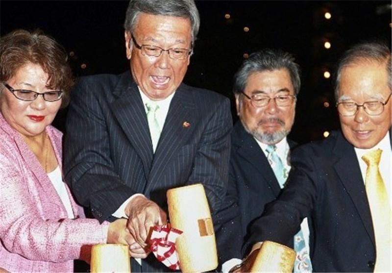 فرماندار اوکیناوای ژاپن خواستار دیدار با اوباما شد