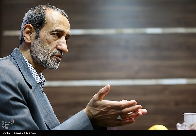 Ex-Envoy Urges Diversification of Iran Oil Customers