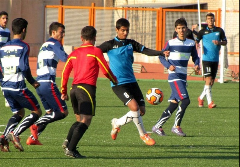 تیم فوتبال صبای قم برابر خورشید کردستان به تساوی رسید