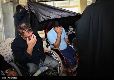 حضور خادمین حرم حضرت ابالفضل العباس(ع) در آسایشگاه جانبازان و بیمارستان بیماران سرطانی - اصفهان