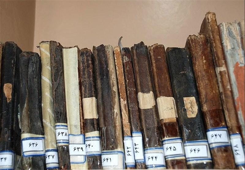 150 نسخه خطی از آثار شیخ بهایی در کتابخانه وزیری یزد نگهداری میشود