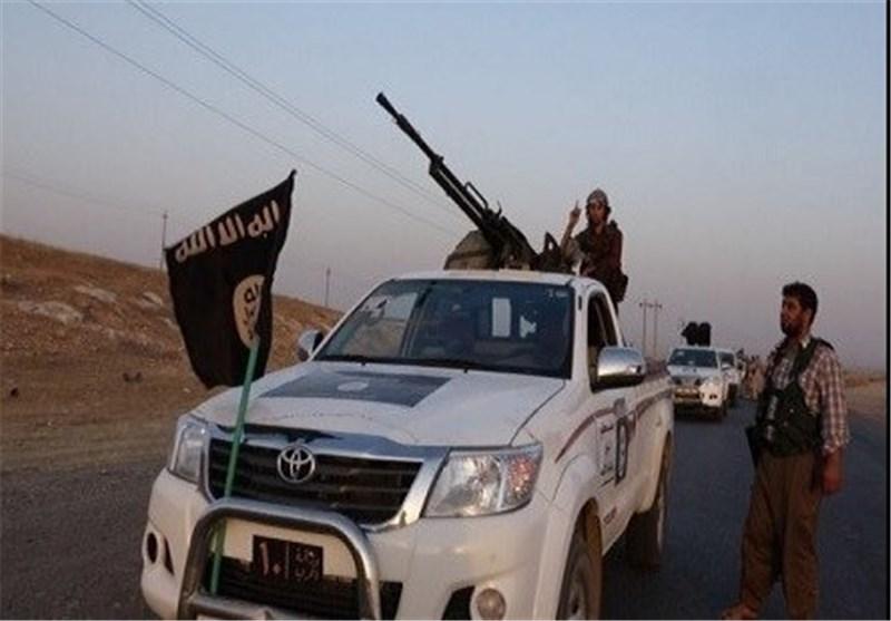 """المرصد السوری المعارض : عناصر """"داعش """" یقاتلون من الأراضی الترکیة"""