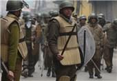 Indian, Pakistani Troops Trade Fire in Kashmir