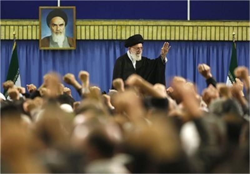 قائد الثورة الاسلامیة یستقبل أعضاء المجمع الأعلى لتعبئة المستضعفین