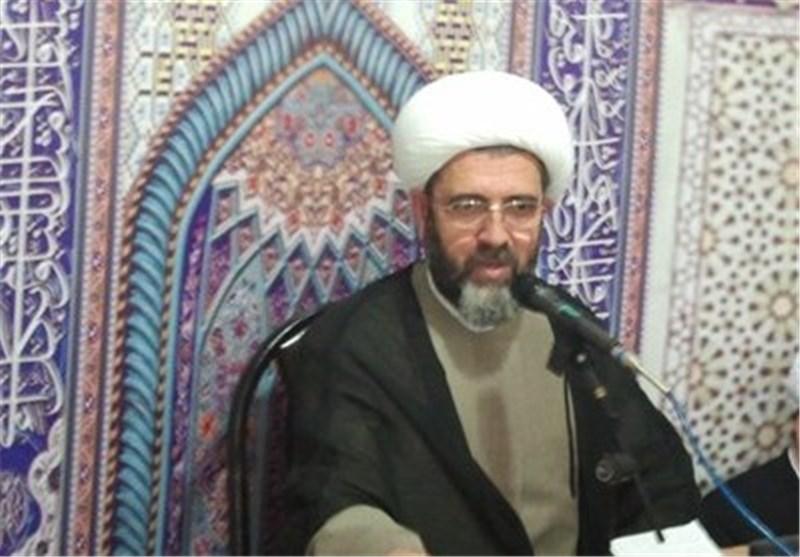 حفظ عزت و کرامت خانواده شهدا اولویت مسئولان استان گلستان قرار گیرد