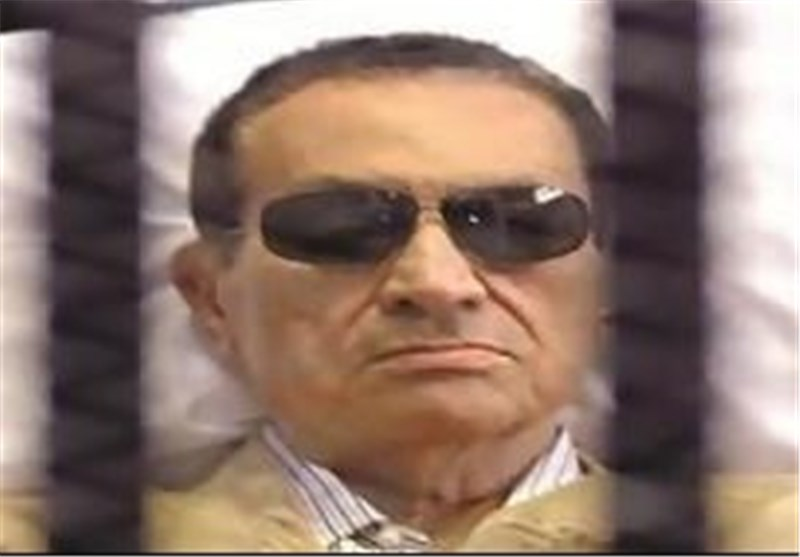 Mubarak to Remain in Detention Awaiting Retrial in Embezzlement Case