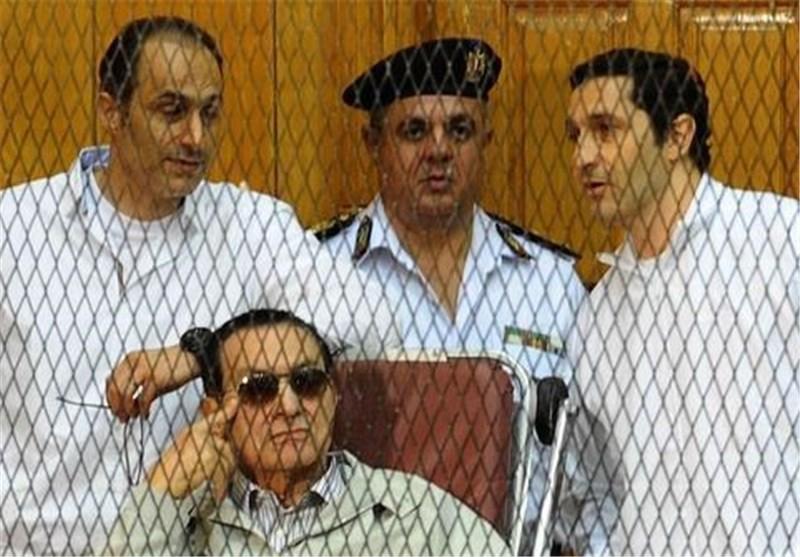 التلیغراف : المصریون عادوا الى نقطة الصفر بعد براءة مبارک..