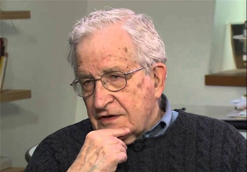 """تشومسکی : معظم الشعوب الاوروبیة """"الحرة"""" لا تملک حق تقریر المصیر"""