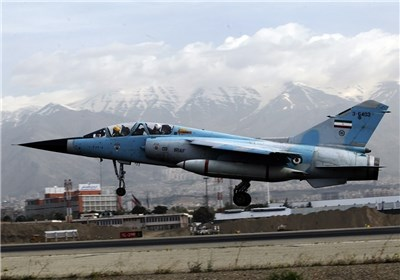 اورهال یک فروند هواپیمای میراژ توسط متخصصان پایگاه شهید حبیبی ارتش