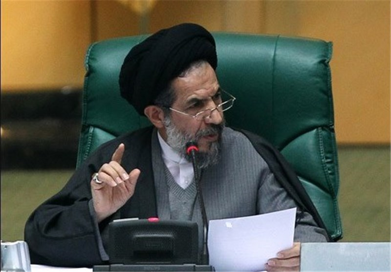 Iranian MP Urges Washington to Learn from Past, Avoid New Sanctions