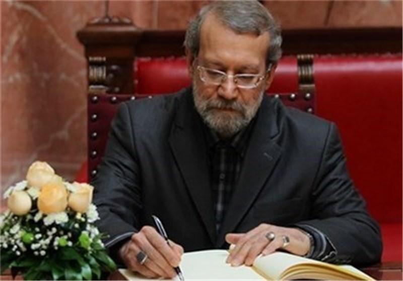 رئیس مجلس الشوری الاسلامی یهنیء نظراءه بالدول الاسلامیة بهذه المناسبة العطرة