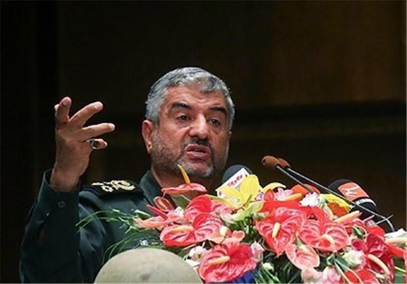 قائد الحرس الثوری : ایران الاسلامیة فی ذروة العزة والاقتدار بفضل المقاومة والصمود
