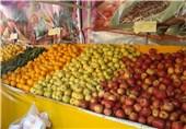 دولت در تنظیم بازار میوه شب عید دخالتی نکند