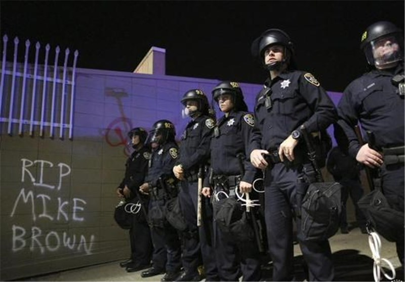 الشرطة الامریکیة تحطم الرقم القیاسی فی استخدام العنف ضد المتظاهرین المسالمین