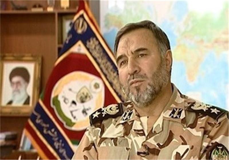 """الجیش الایرانی یختبر بنجاح قذیفة """" لبیک 1 """" الصاروخیة بنجاح"""