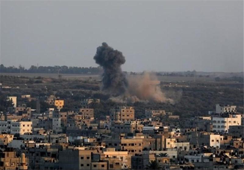 إصابة فی سلسلة غارات استهدفت مناطق فی قطاع غزة