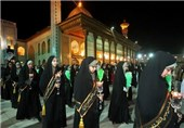 مراسم لالهگردانی خادمان در حرم شاهچراغ (ع) برگزار میشود