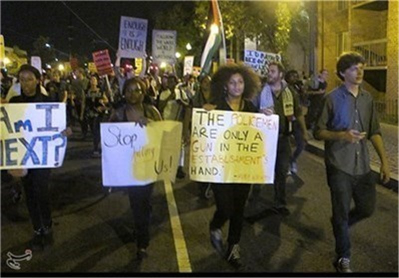US Protesters Rally For 2nd Night after Shooting near Ferguson
