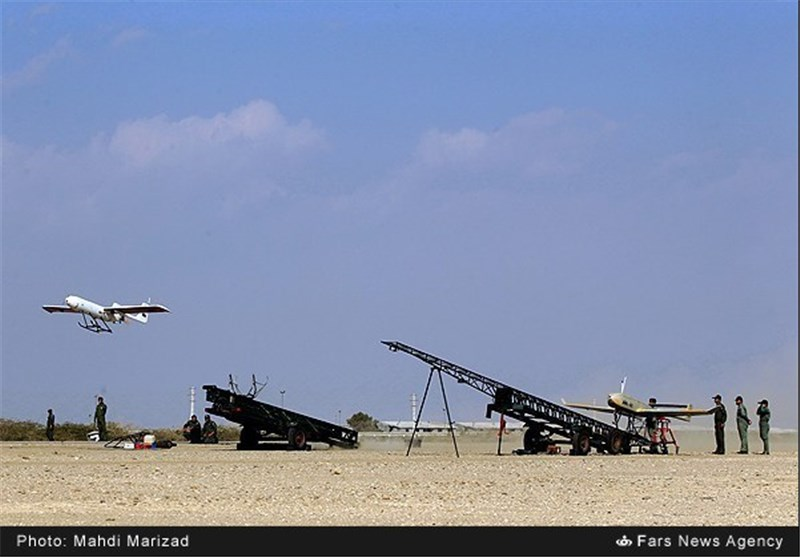 Drones, Rockets Employed in 2nd Stage of Iranian Army's War Game