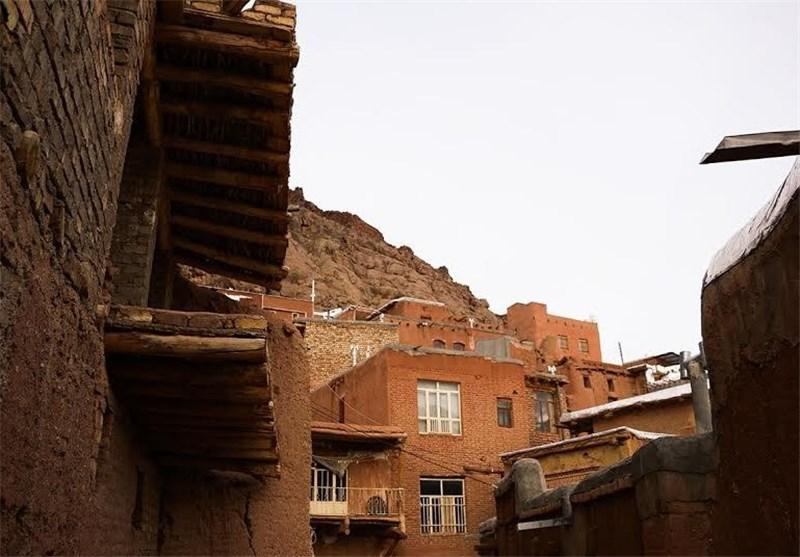 سقوط امپراتوری معماری در روستاهای گردشگر پذیر