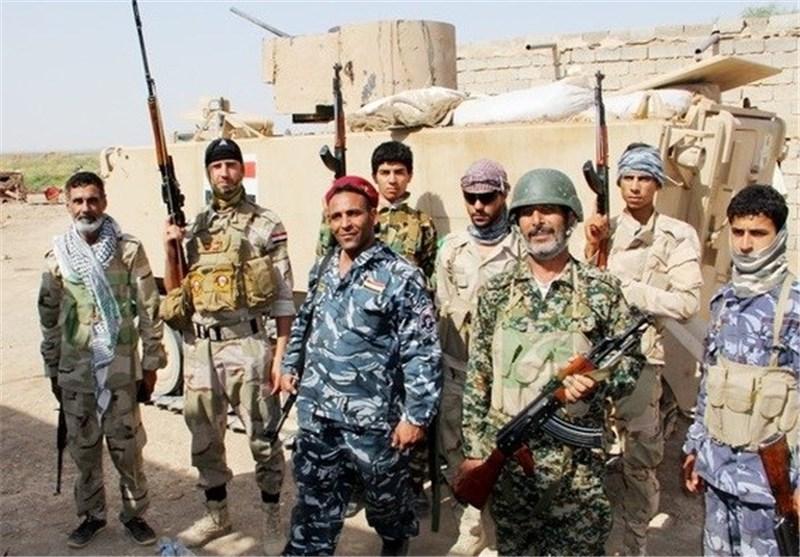 نیروهای دفاع مردمی مسئولیت حفظ امنیت مناطق آزاد شده تکریت را برعهده دارند