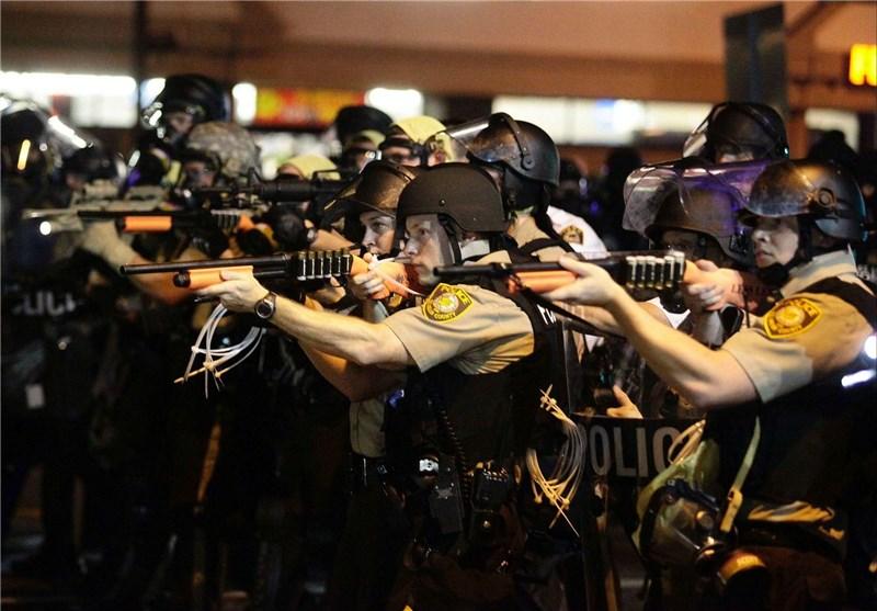 مجله الکترونیکی/ تراکتور پلیس «فرگوسن» همچنان با سوخت نژادپرستی شخم میزند!