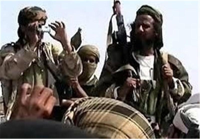 الیمن:سقوط کتیبة عسکریة تضم 13 دبابة و 10 ناقلات بید مسلحین