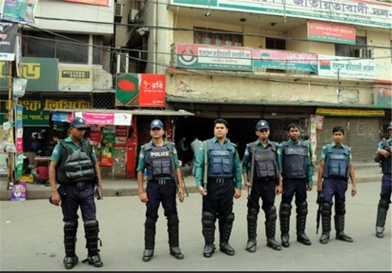Bangladesh Police Shoot Dead Two during Poll Protests