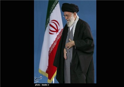 People of Iranian Central City Meet with Supreme Leader