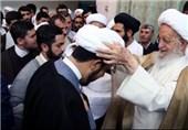 130 نفر از طلاب توسط آیت الله مکارم شیرازی به لباس روحانیت ملبس شدند