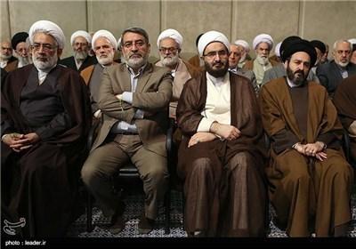 الامام الخامنئی یستقبل ضیوف المؤتمر الدولی للوحدة الاسلامیة