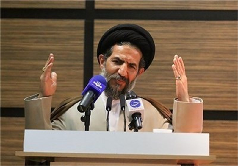 نائب رئیس مجلس الشوری: قوة ایران الاسلامیة أدت لاحتواء القوة العسکریة لأمریکا فی المنطقة
